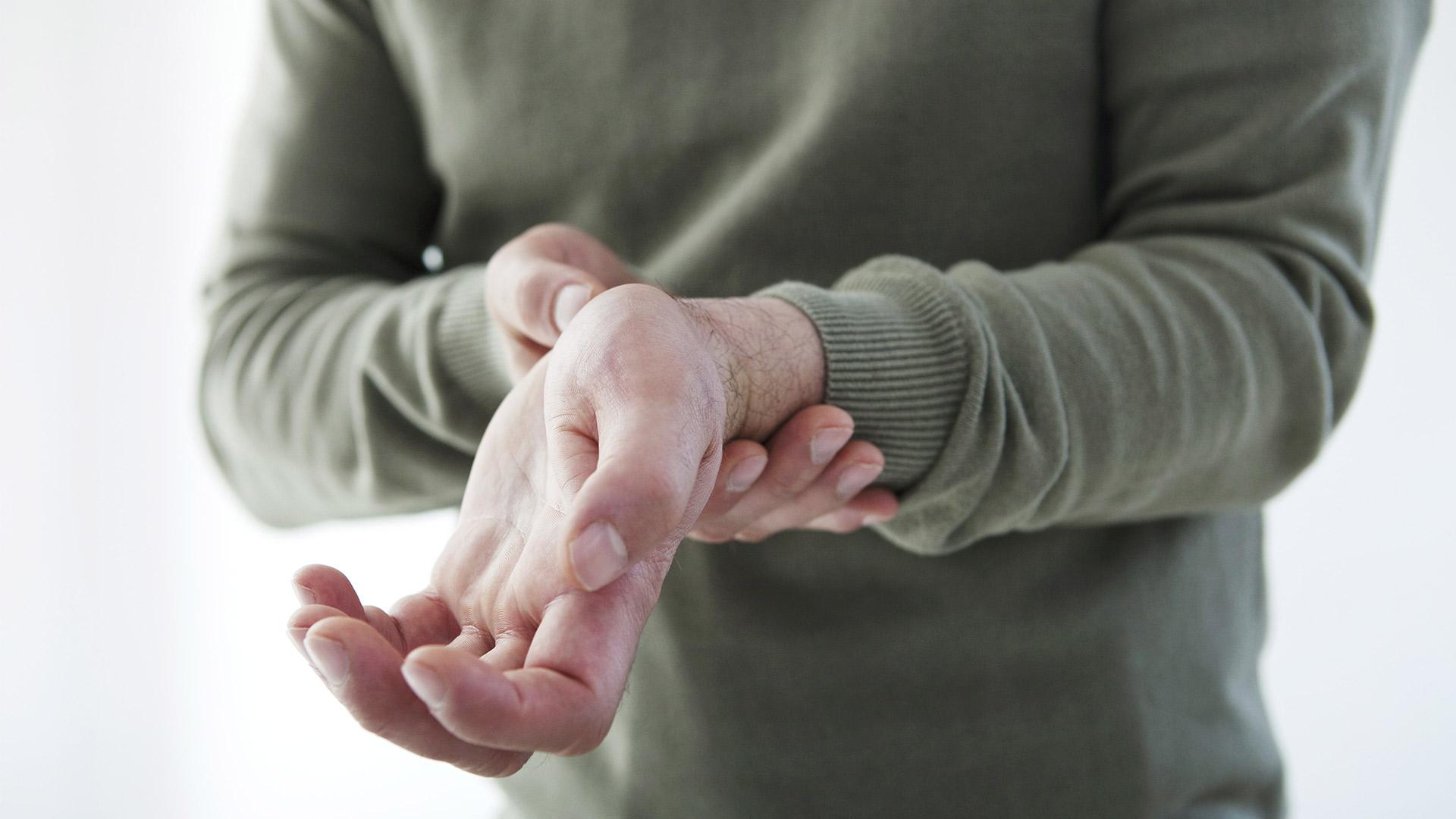 fáj a hüvelykujj ízületei