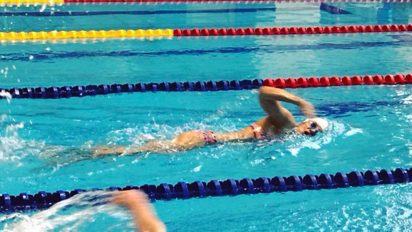 vállízület és úszás)