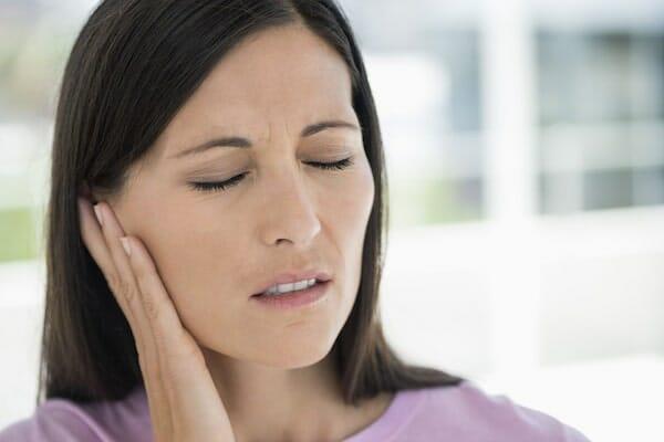 ízületi gyulladás a fül alatt