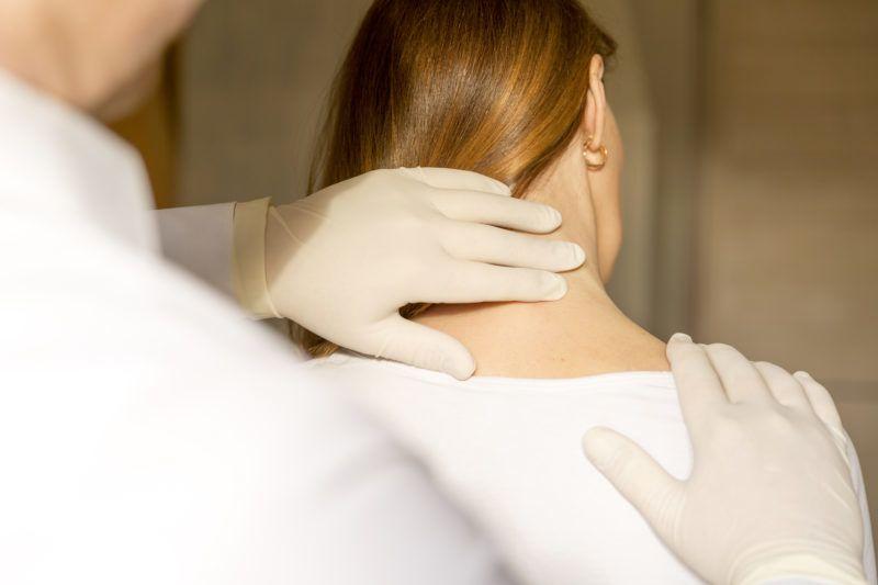 a térd artrózisának kezelése 3-4 fokkal fájó térdfájdalom okozza a kezelést