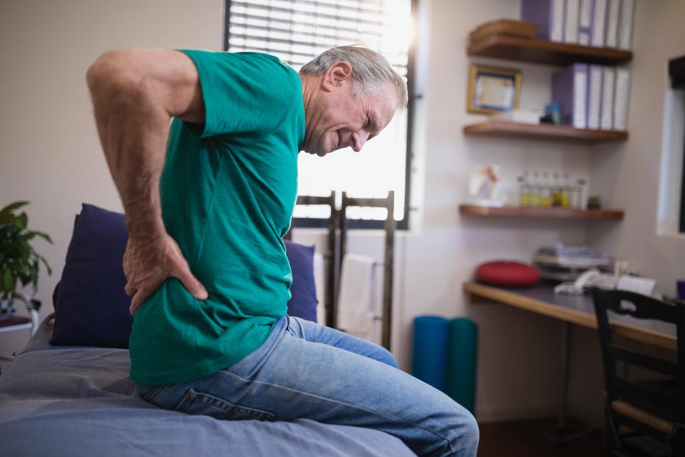fájdalom a csípőtől a térdig)
