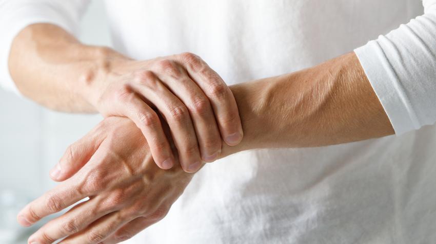 hogyan enyhíthető a karok ízületeinek gyulladása)