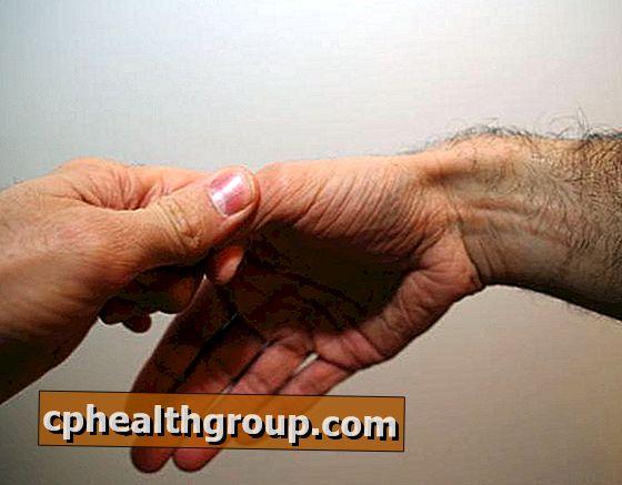 fáj a kéz ízületei, mint hogy kezeljék