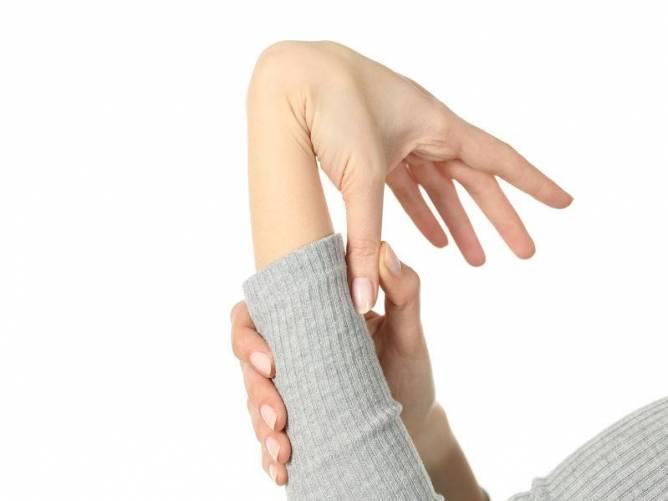 összeroppant és fáj a hüvelykujj ízülete)