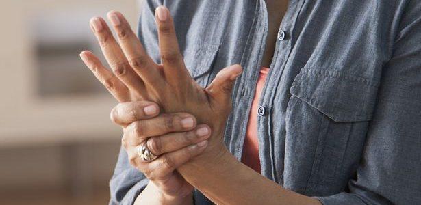 a kéz allergiás ízületi gyulladása)