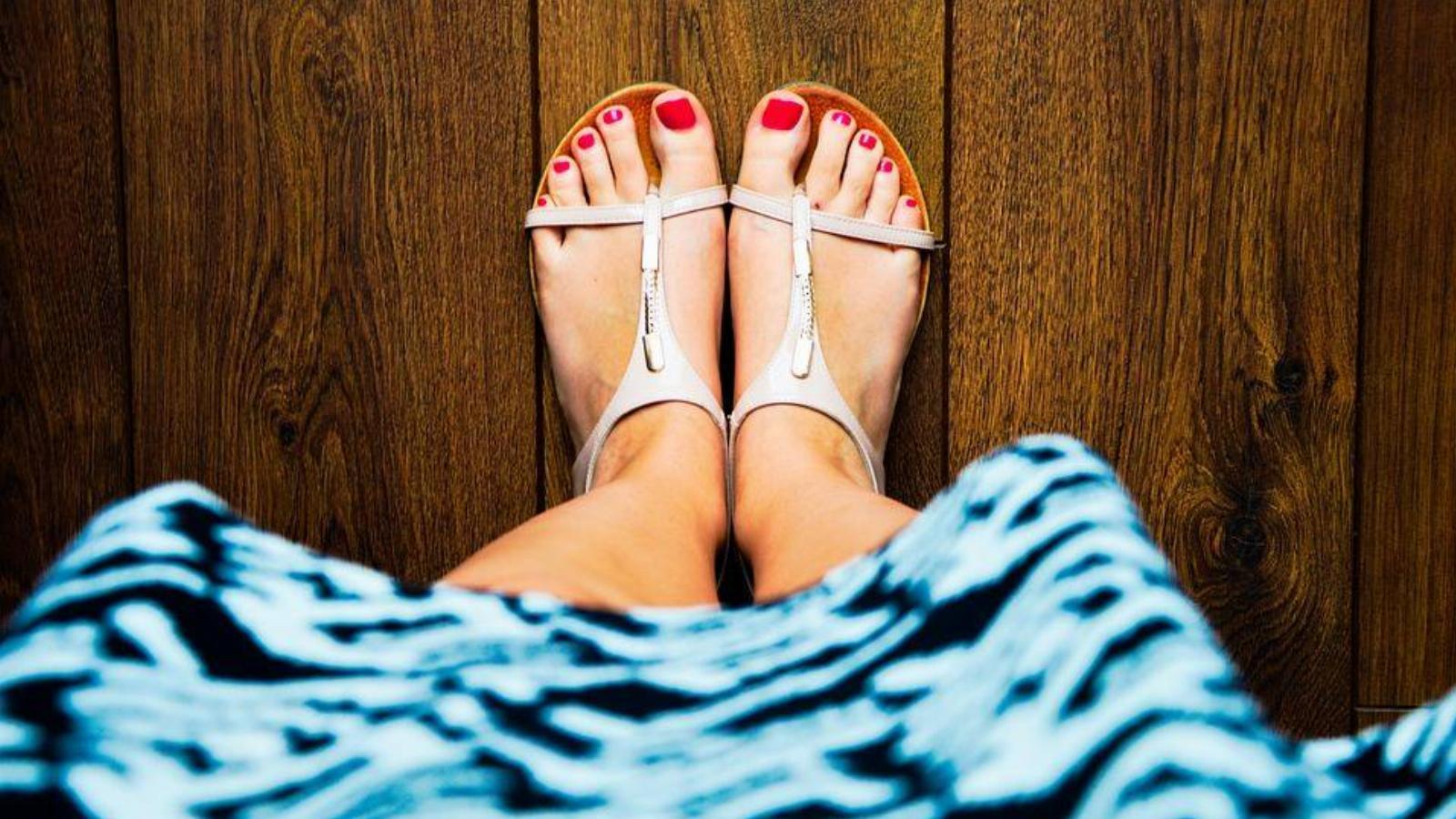 fájdalom a lábak ízületeiben időjárási körülmények között