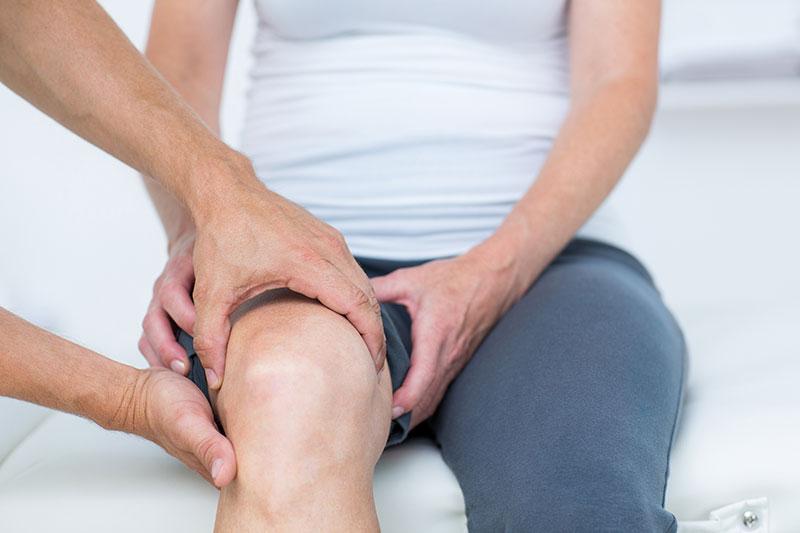 Minimál invazív térdízületi endoprotézis beültetés