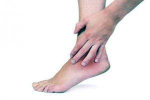 posztoperatív térdödéma fájó láb az ízület alján