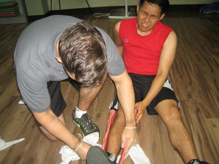 elsősegély a térd meniszkuszának károsodásához csípőízület osteosclerosis kezelése