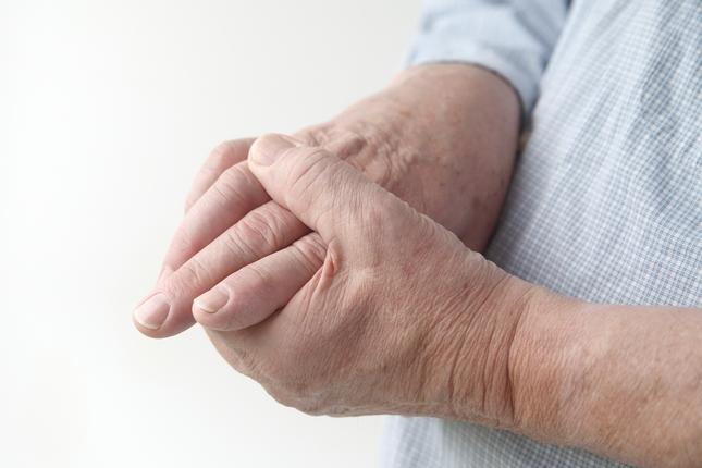 fájdalmas kézkefe-ízületek)