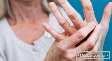 fájdalom a hüvelykujj első ízületében